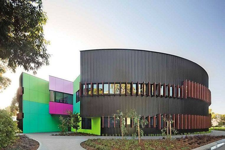 Ivanhoe Grammar School with Vitrapanel facade non combustible